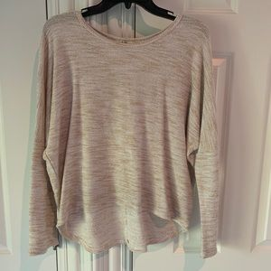 Light tan sweater - really cool pattern - M